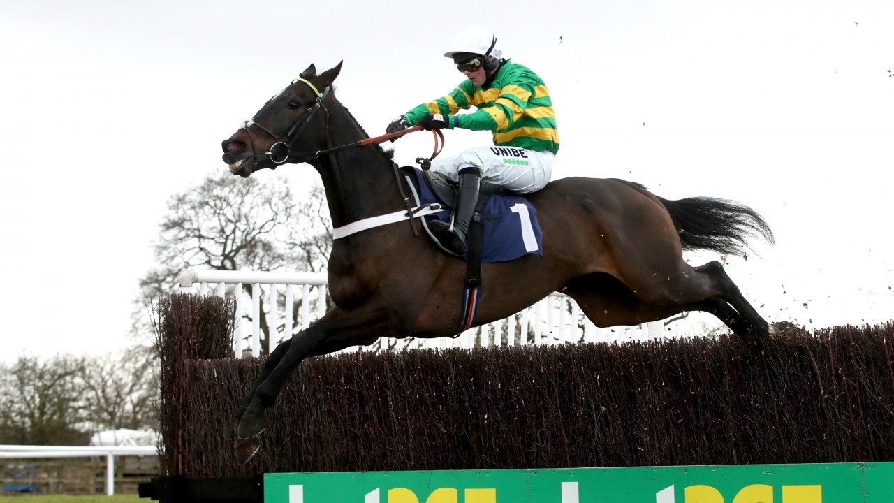 Banker bet Chantry House romps home